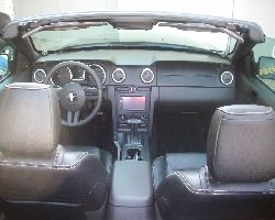 Ford Mustang Cabrio 2 DIN
